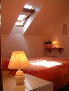 Self-catering cottages watchet somerset Corner cottage double bedroom